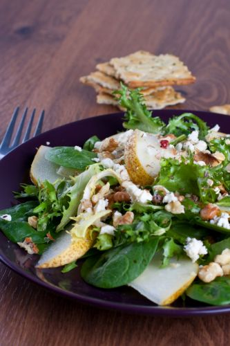 Green Salad with Walnuts and Feta