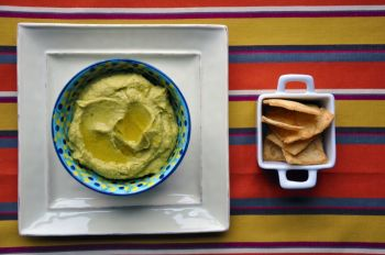 Garlic Chipotle & Avocado Hummus