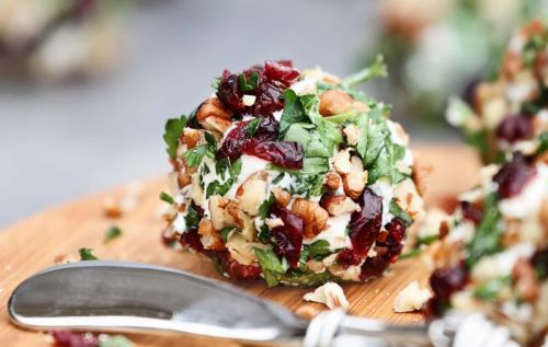 Cranberry Pecan Cheddar Cheeseball